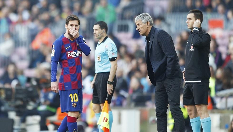 أزمة في برشلونة.. بعض لاعبي الفريق يتجاهلون المدرب ويغادرون التدريبات