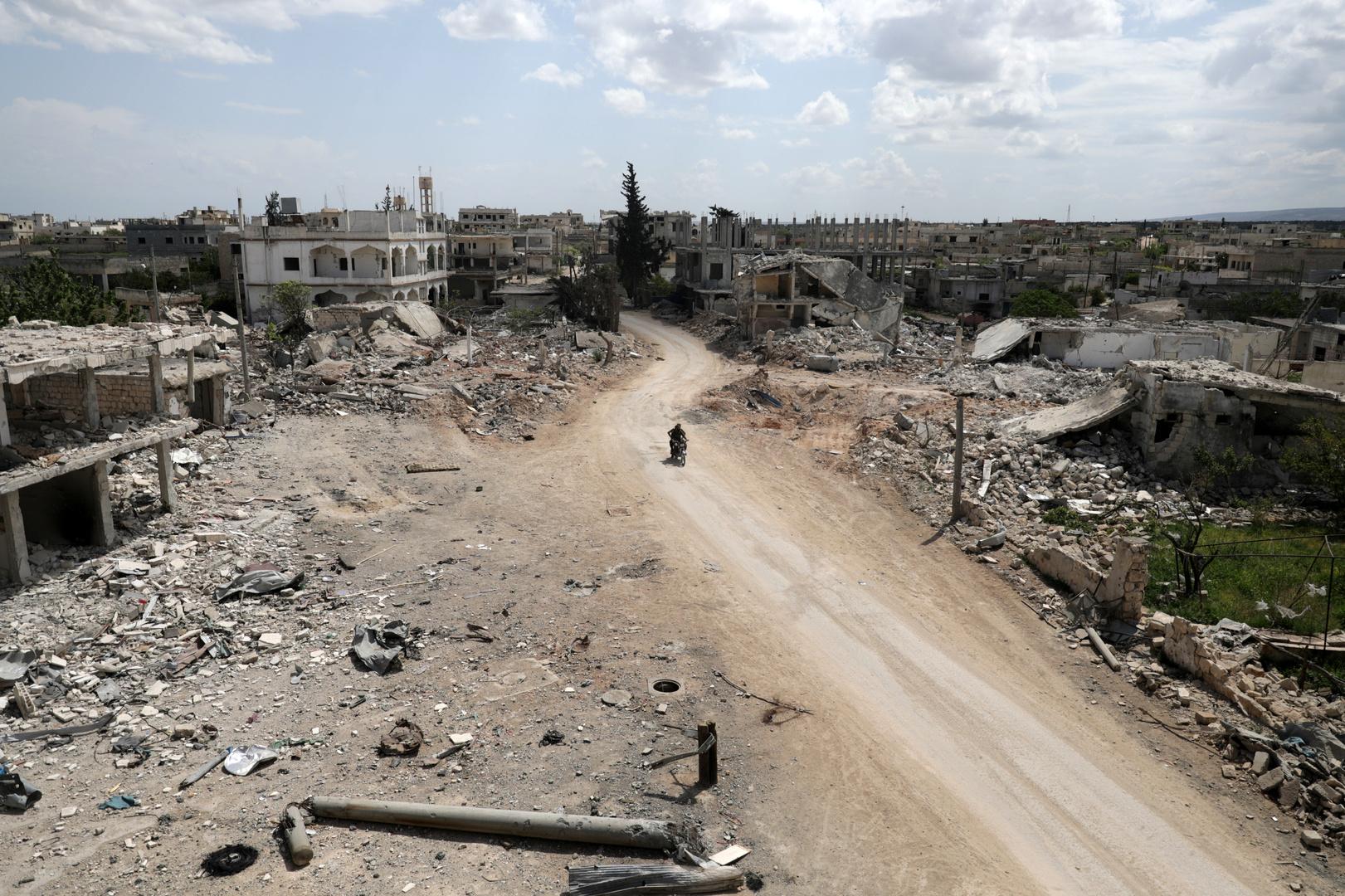 الجهاديون السوريون يتنازعون إدلب