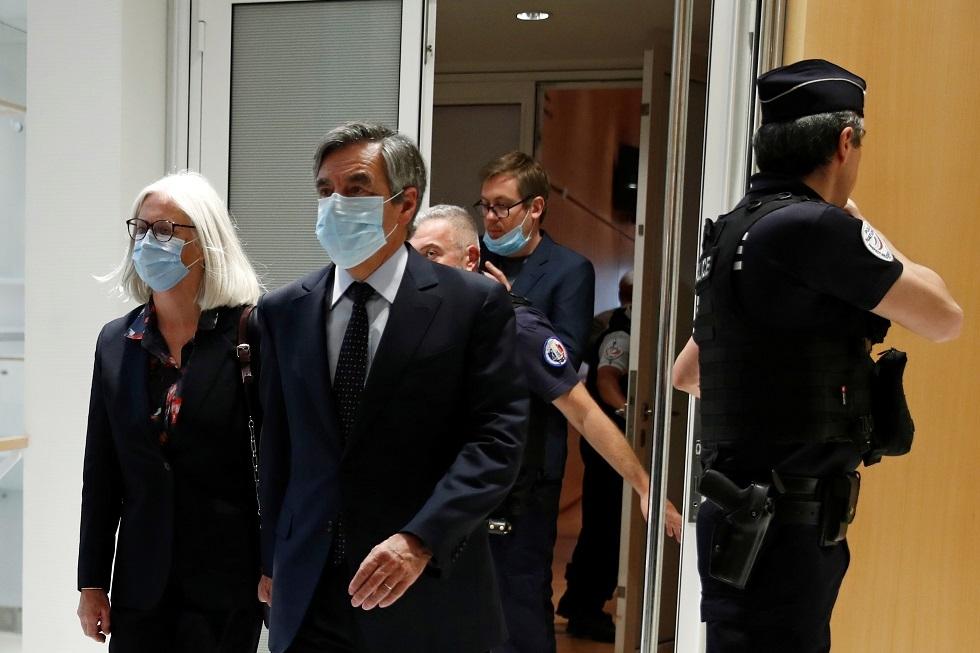 رئيس الوزراء الفرنسي الأسبق فرانسوا فيون وزوجته بينيلوب