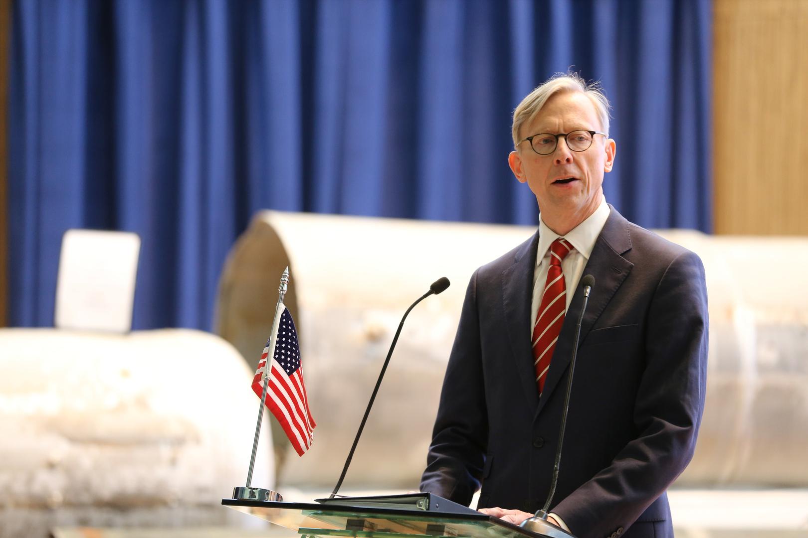 براين هوك أثناء مؤتمر صحفي في الرياض