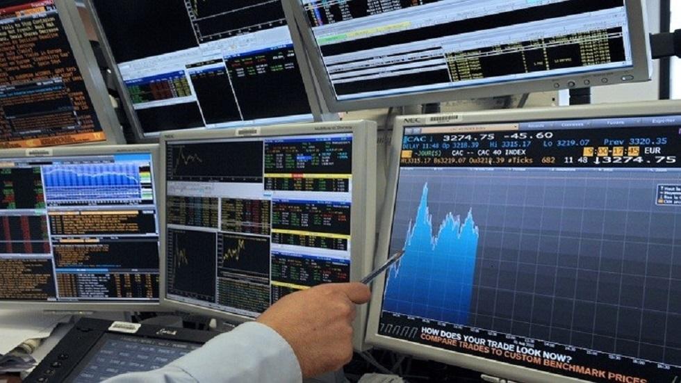 الأسهم الأوروبية تنهي جلسة متقلبة على ارتفاع بعد قفزة في