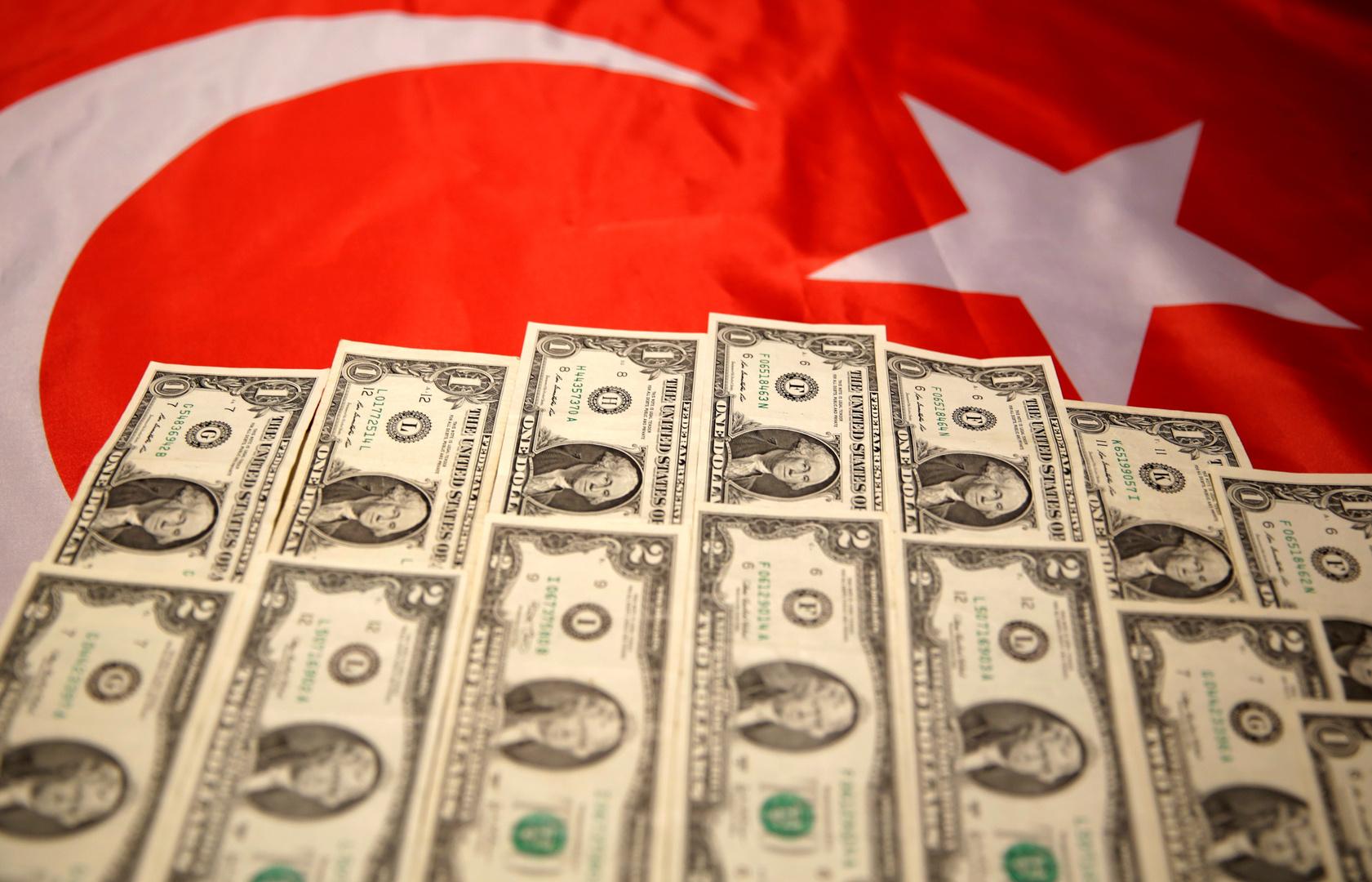 تركيا تسجل قفزة في العجز التجاري