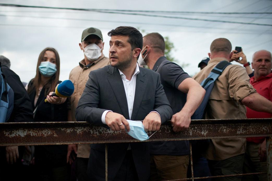 نائب في البرلمان الأوكراني: زيلينسكي قد يكون آخر رئيس للبلاد