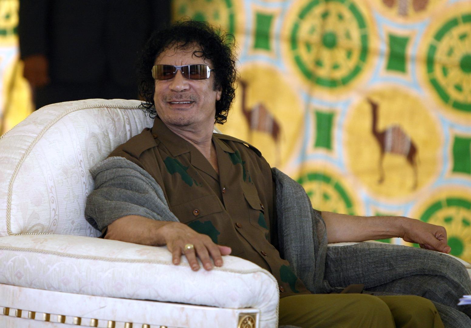 نفي ونفي مضاد للقاء السري المسرب من خيمة القذافي