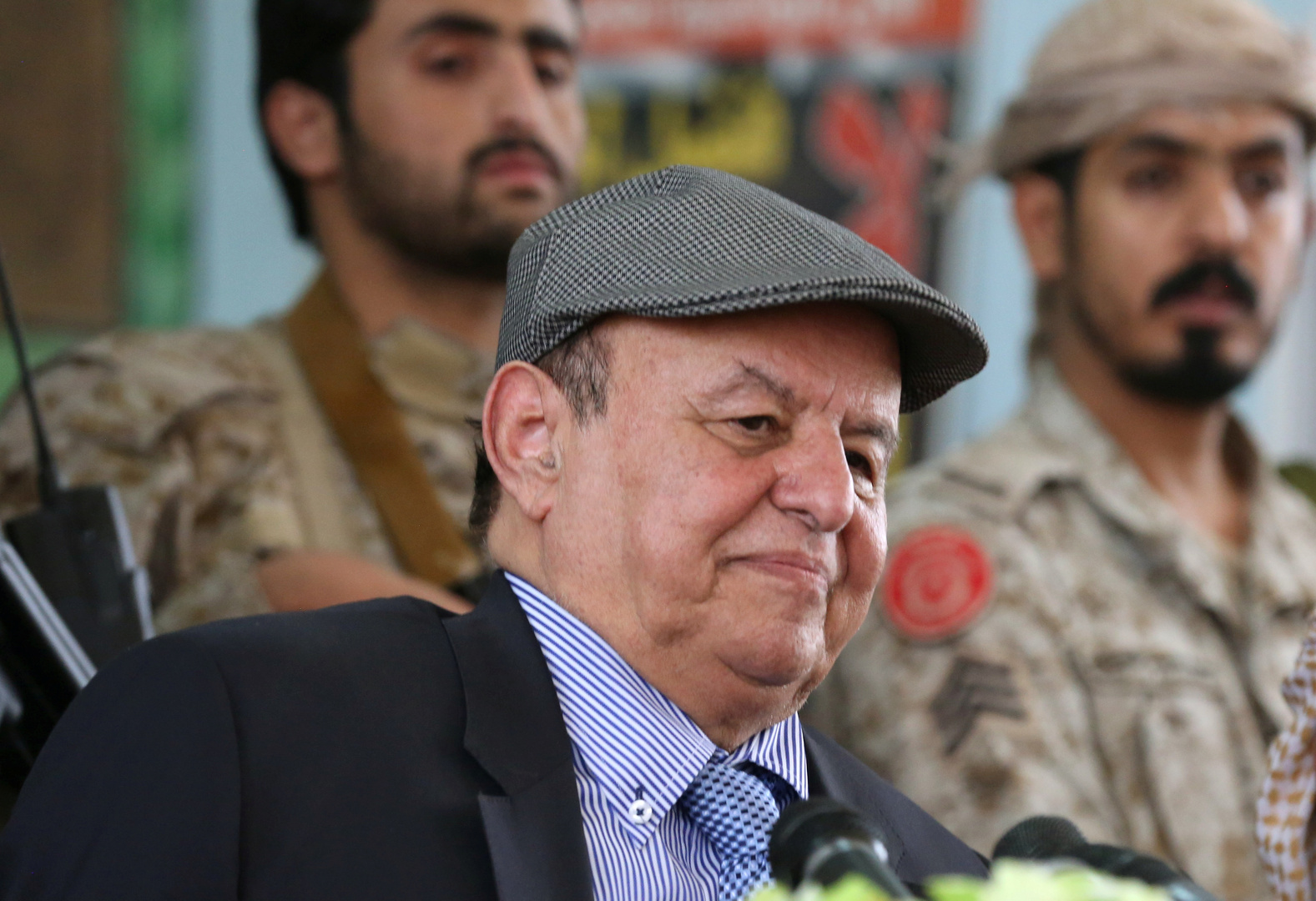 الرئيس اليمني: حريصون على السلام المستدام بعيدا عن الحلول الترقيعية وترحيل الأزمات