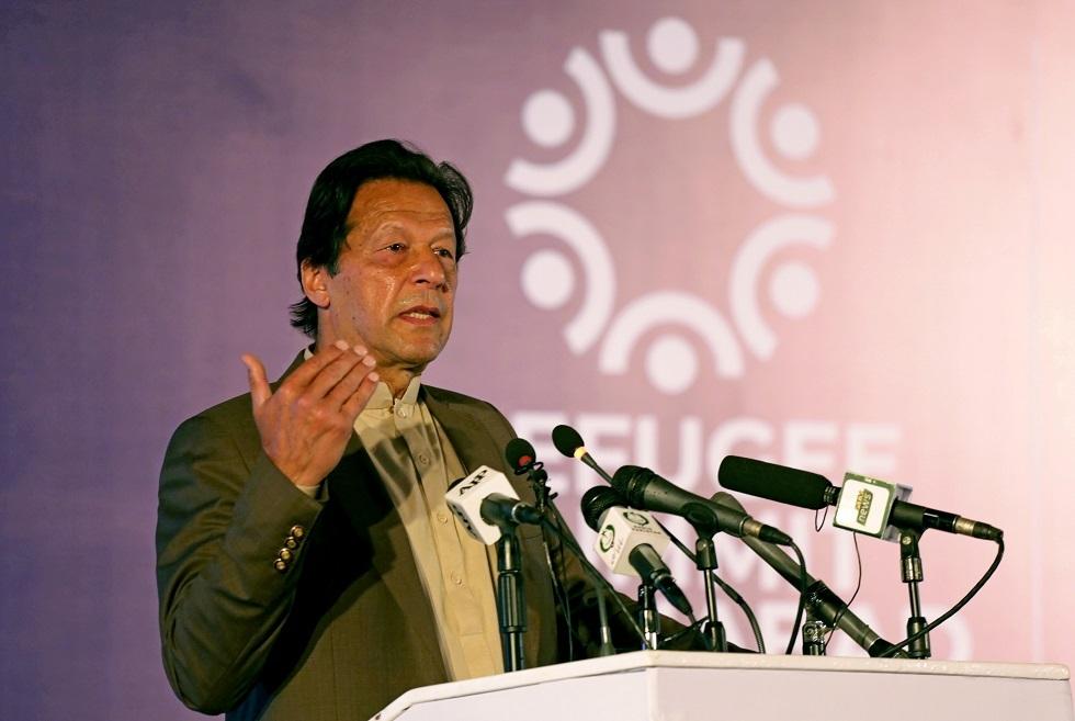 خان يحمل الهند مسؤولية الهجوم على مبنى بورصة باكستان