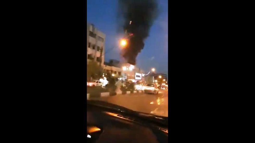 سماع دوي انفجار وتصاعد الدخان شمال طهران