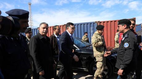 ليبيا.. السراج يجتمع برئيس الأركان وآمري المناطق العسكرية