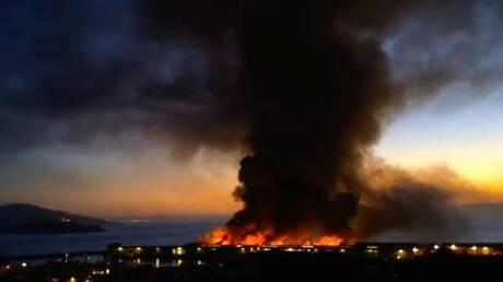 """حريق ضخم يدمر مستودعات """"أمازون"""" في كاليفورنيا - فيديو"""