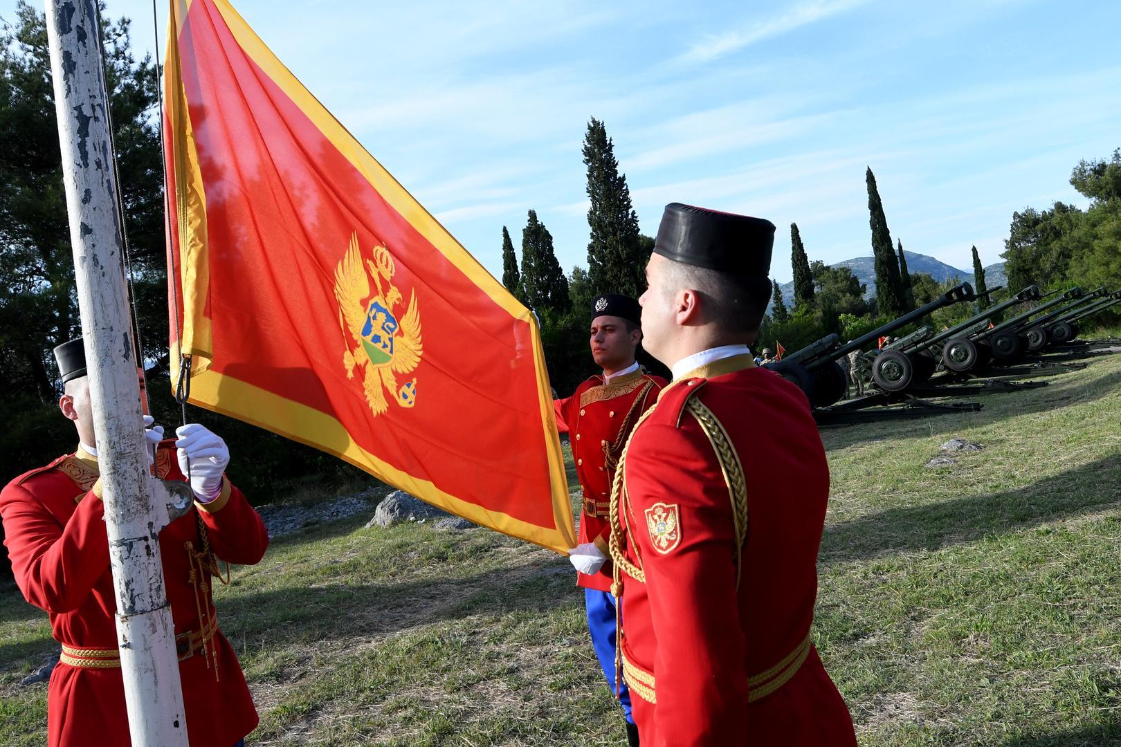 جمهورية الجبل الأسود تسمح بزواج المثليين