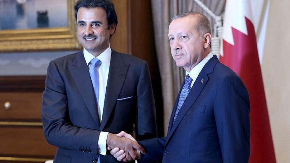 أمير قطر يستقبل وزير الدفاع التركي