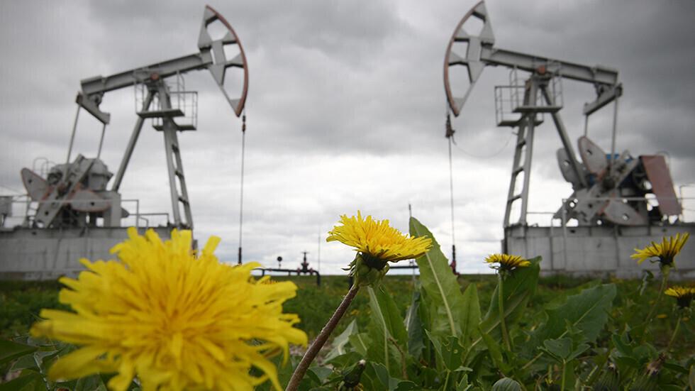 النفط يواصل ارتفاعه بعد بيانات أمريكية