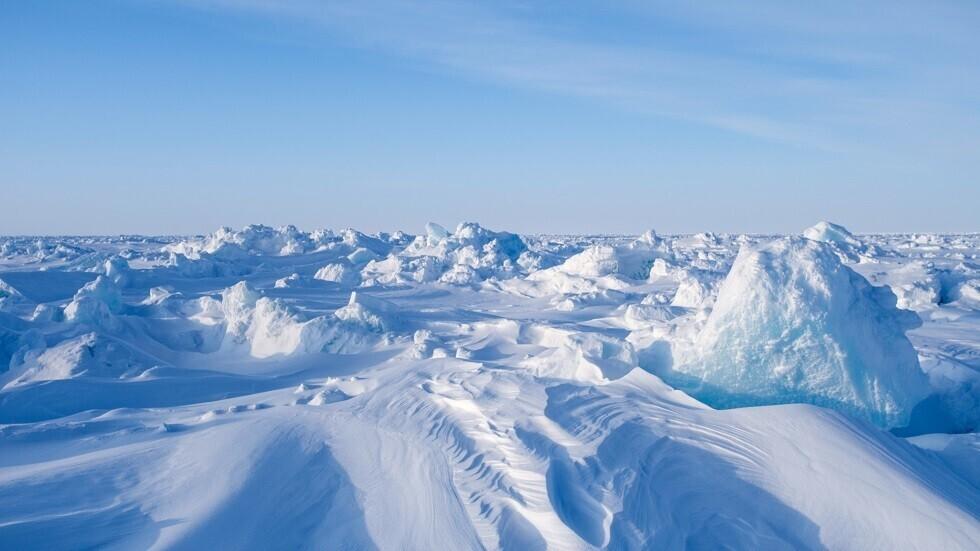 المطلوب كاسحات جليد وغطاء للتخفي لردع أمريكا