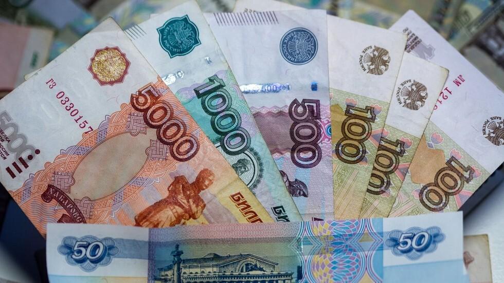 رئيس جمهورية تتارستان الروسية يحقق دخلا أقل من زوجته بـ54 مرة