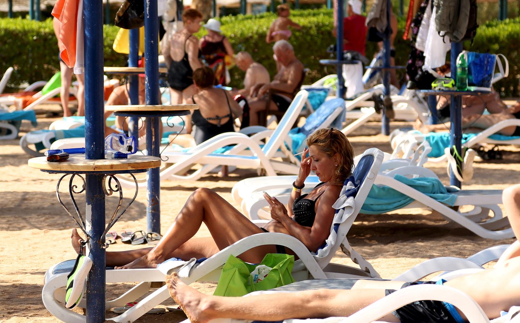 مصر تستقبل سياحا من سويسرا وبيلاروس في شرم الشيخ والغردقة لأول مرة منذ أزمة كورونا