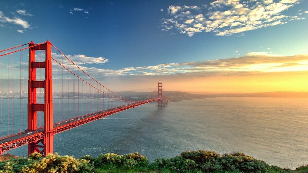 جسر البوابة الذهبية الشهير