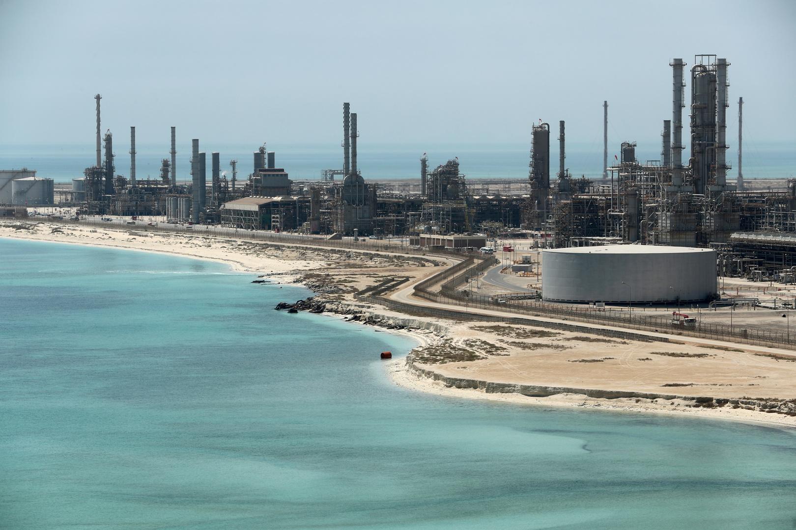 الرياض تجر العالم إلى حرب نفطية جديدة