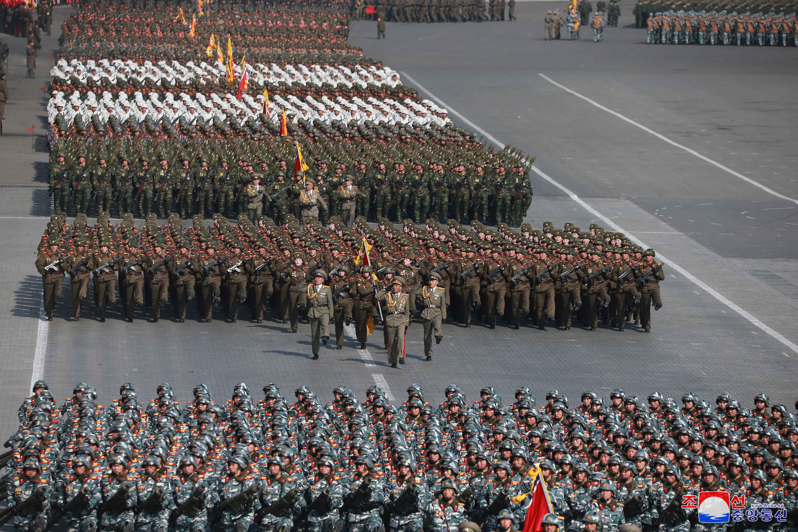 عرض عسكري في كوريا الشمالية (10 فبراير 2018).