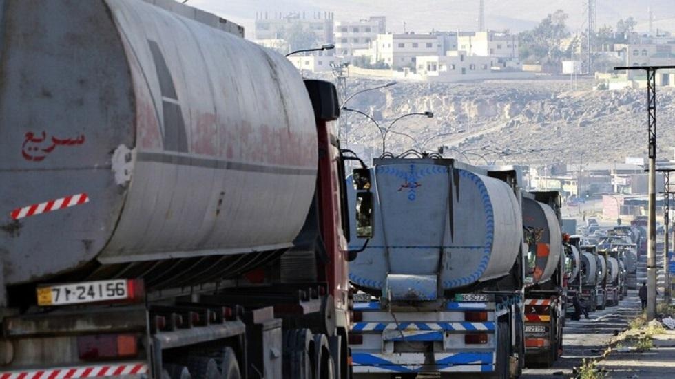 شاحنات النفط العراقية تدخل الأردن - أرشيف