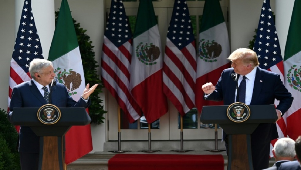 ترامب والرئيس المكسيكي يتبادلان المجاملات ويتجاهلان الخلافات وسط عاصفة من الانتقادات