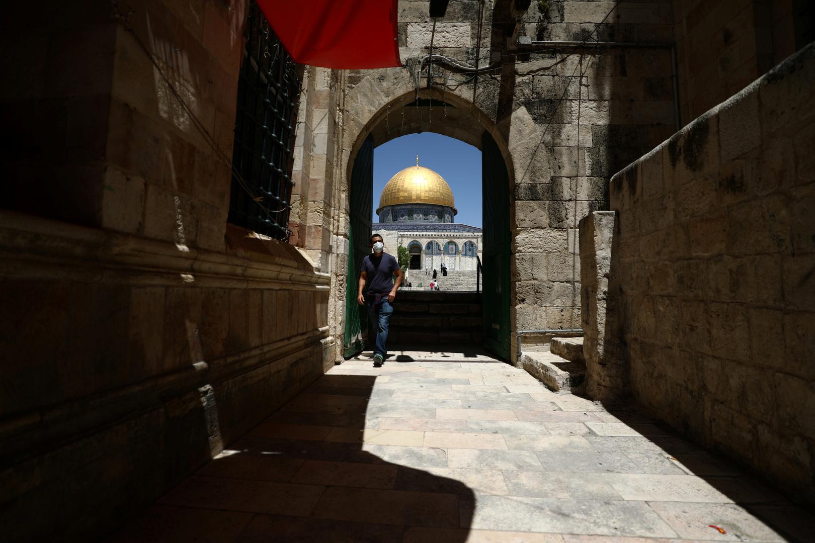 السلطات الإسرائيلية تغلق عدة مناطق في القدس بسبب تفشي فيروس كورونا