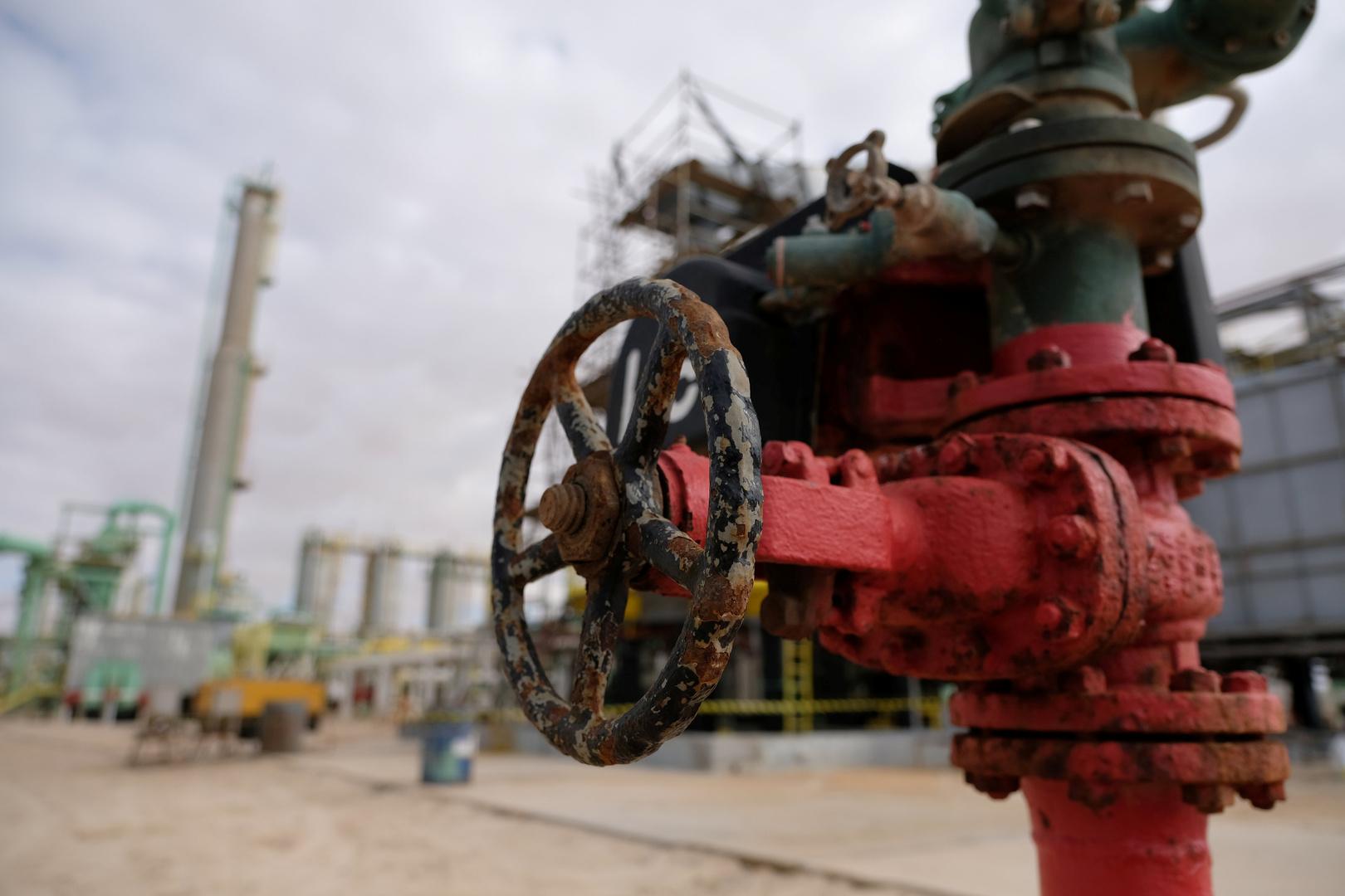 ليبيا.. رفع القوة القاهرة عن صادرات النفط وأول ناقلة تبدأ بالتحميل في السدرة