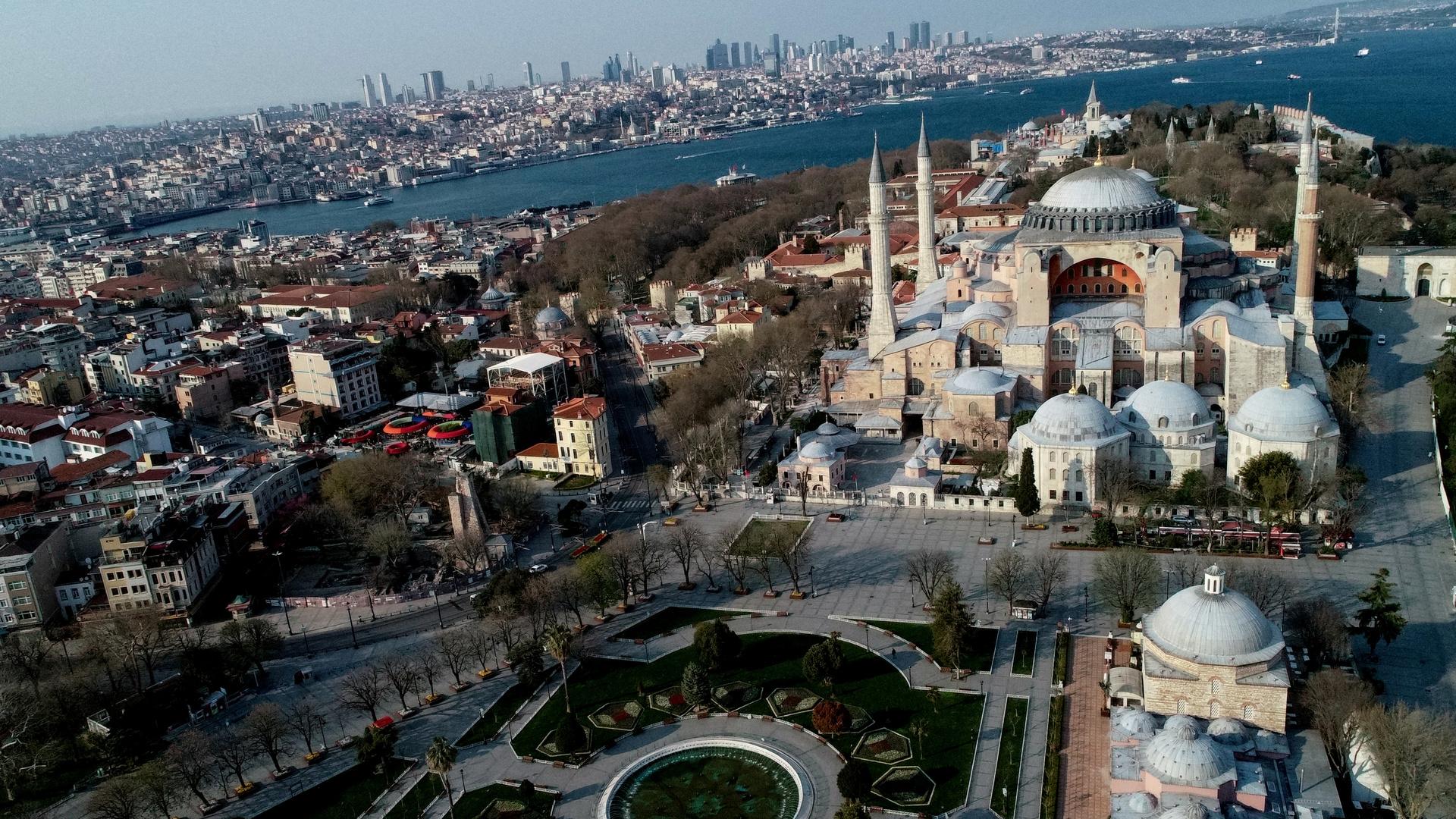 محكمة تركية تتخذ قرارا تاريخيا بخصوص معلم آيا صوفيا