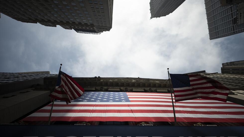كيف أثر ارتفاع عدد الإصابات بكورونا في الولايات المتحدة على البورصة؟