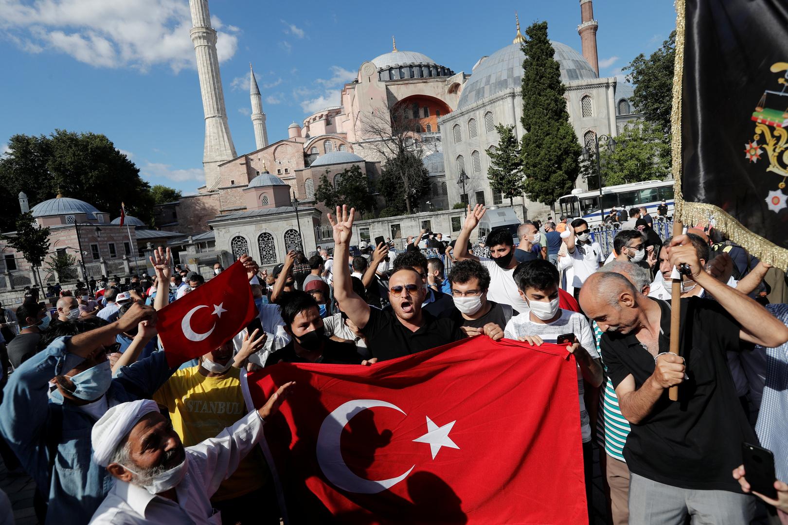 اليونان: تحويل آيا صوفيا إلى مسجد استفزاز بحق العالم المتحضر ويدفع تركيا إلى الوراء 600 عام
