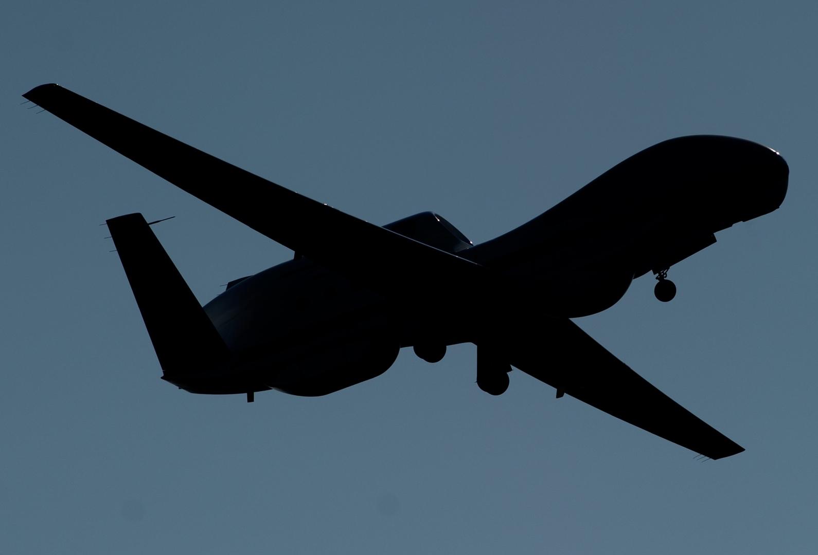 طائرة بريطانية تنفذ عملية استطلاع قرب الحدود الروسية