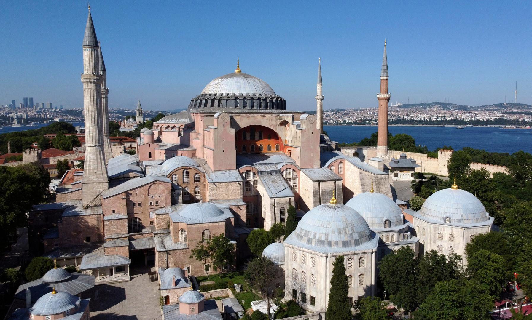 رئيس قبرص ينتقد قرار تركيا تحويلمتحف آيا صوفيا