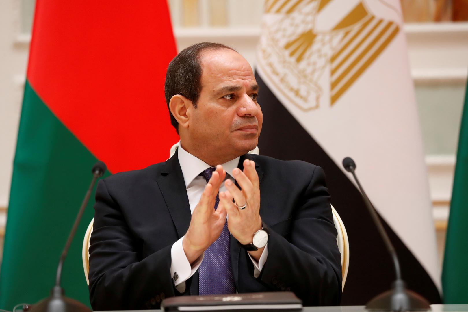 السيسي للمصريين: سنعطي كل مواطن شقة