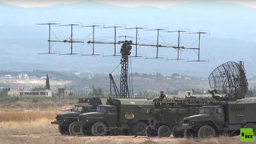 الدفاع الروسية تعلن إحباط هجوم مسلحين على قاعدة حميميم في سوريا