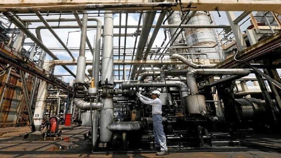 إنتاج فنزويلا من النفط الخام يهبط في يونيو لأدنى مستوى منذ فبراير 1943