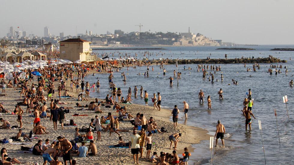 شاطئ في تل أبيب.