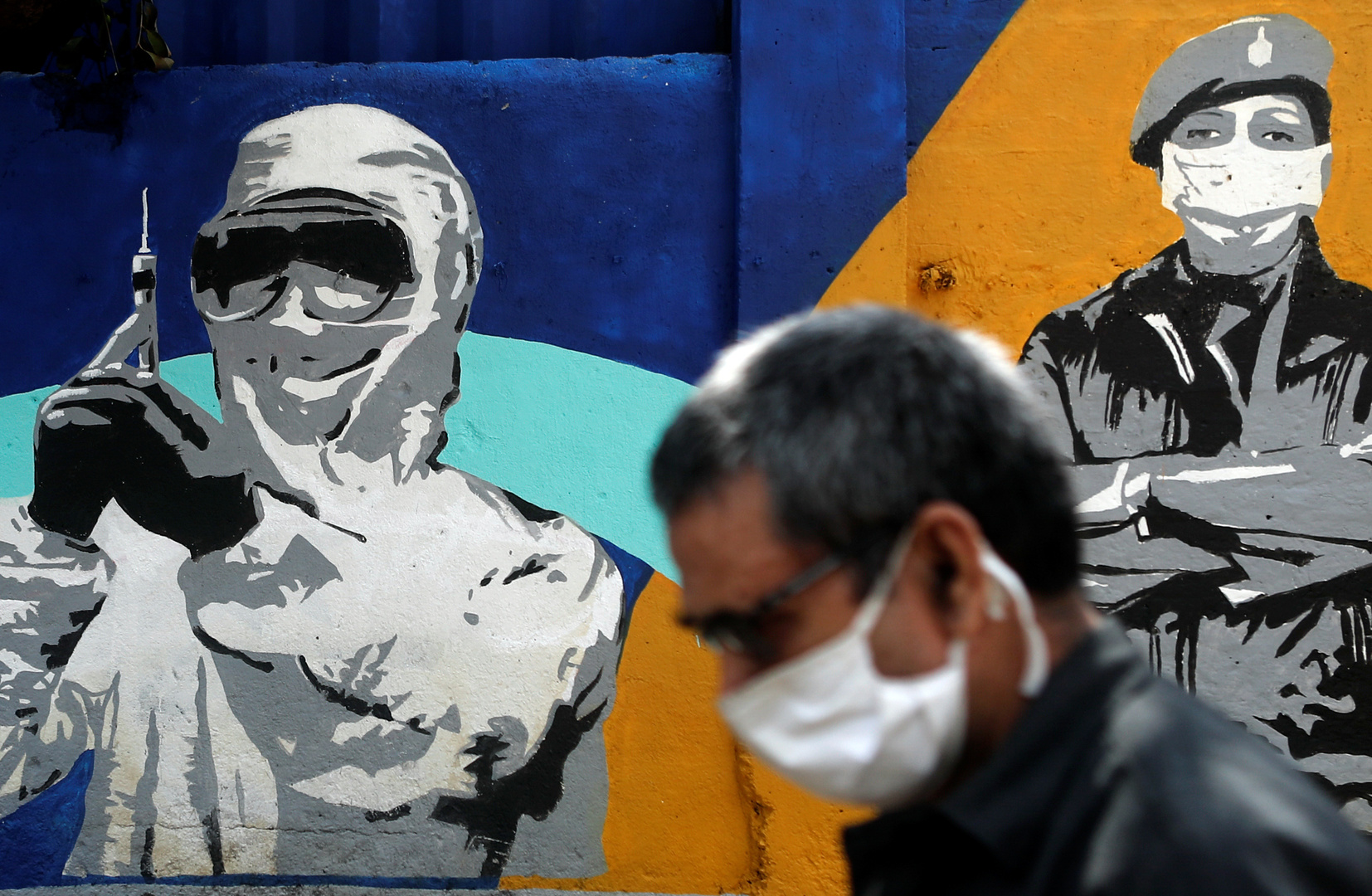 نحو 580 ألف وفاة وأكثر من 13.3 مليون إصابة بفيروس كورونا حول العالم