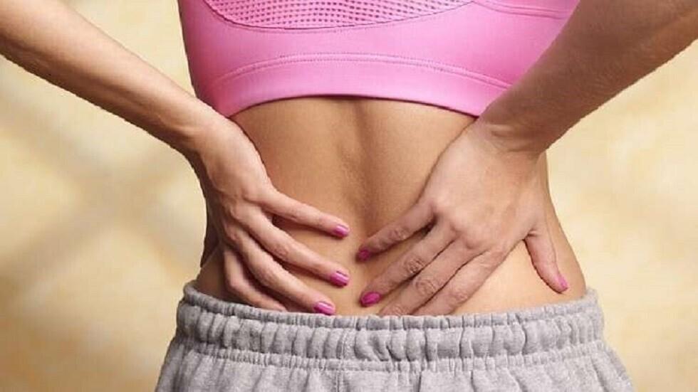 آلام الظهر قد تكون علامة لحالة صحية أخرى كامنة