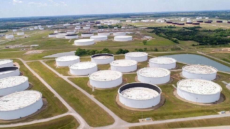 هبوط حاد في مخزونات النفط الخام الأمريكية في أسبوع