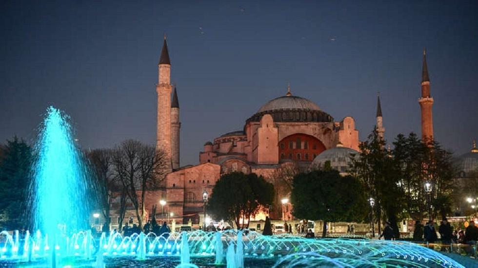 بومبيو يرفض تحديد موقف بلاده من فرض عقوبات على تركيا بسبب تحويل آيا صوفيا لمسجد