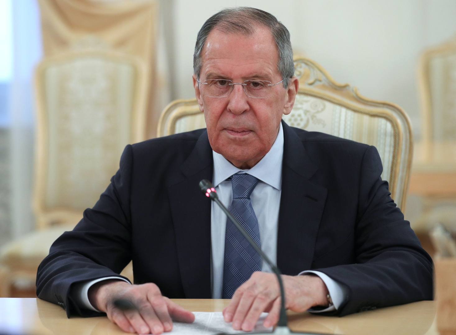 لافروف يدعو الاتحاد الأوروبي للضغط على أوكرانيا لتنفذ اتفاقات مينسك