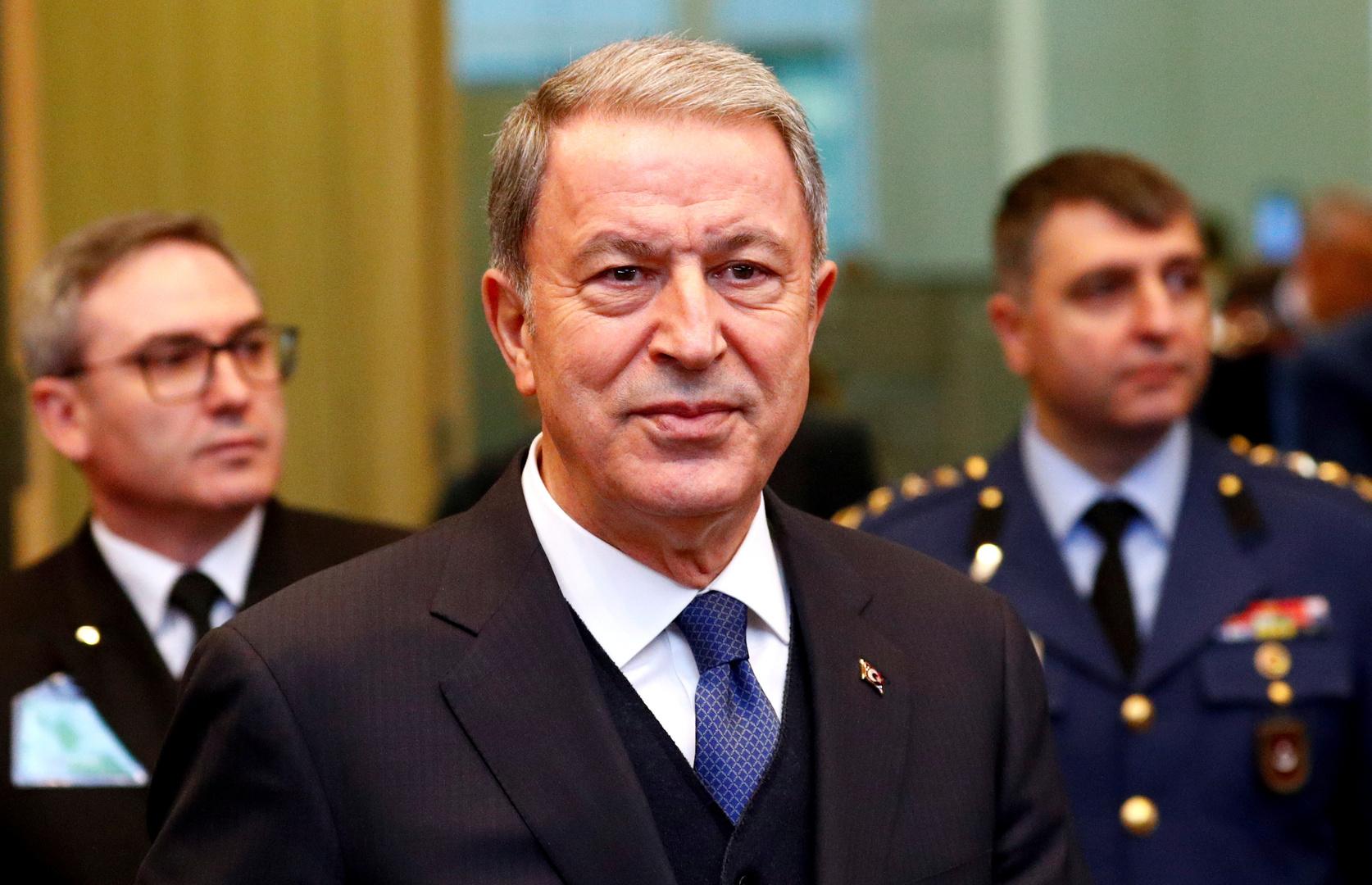 وزير دفاع تركيا خلال لقاء بمسؤول عسكري أذري: أرمينيا ستدفع الثمن