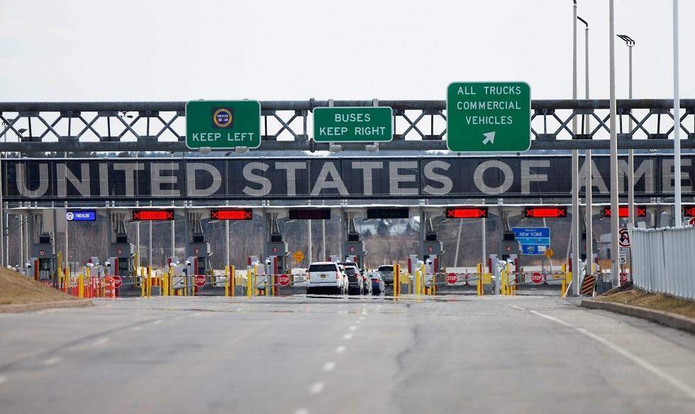الولايات المتحدة تمدد قيود السفر غير الضروري مع كندا والمكسيك