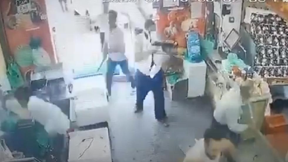 الأردن.. إطلاق نار في محل للخضار في خلدا بعمان - فيديو