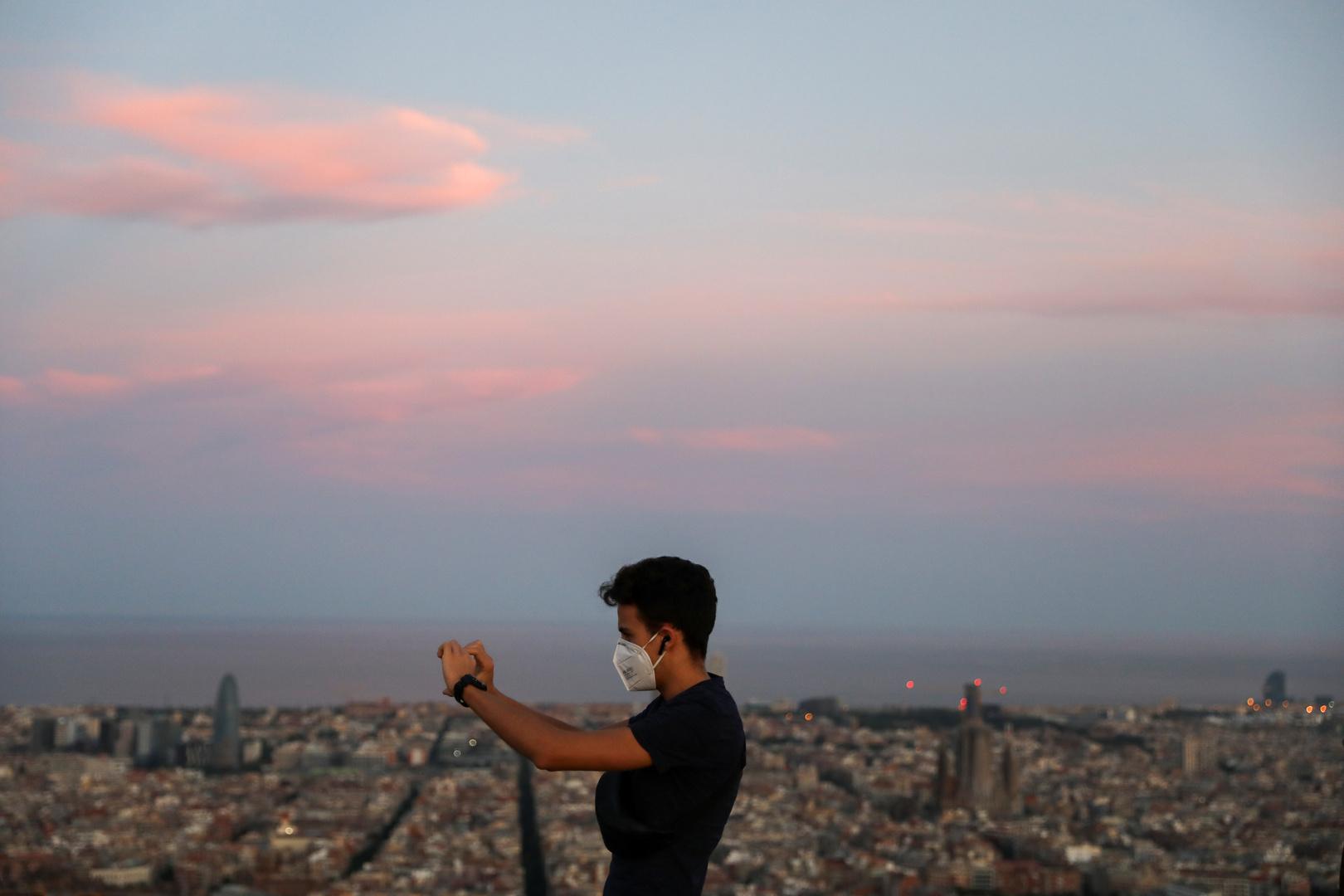 إسبانيا تسجل أكبر قفزة في إصابات كورونا منذ أكثر من شهرين