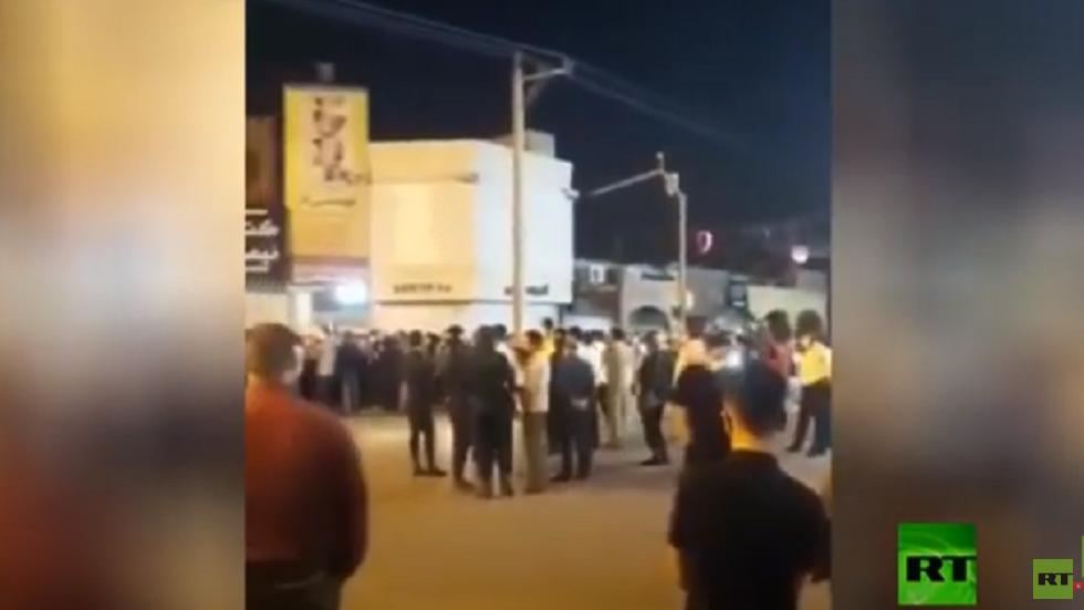 إيران.. الحرس الثوري يعتقل أشخاصا دعوا للتظاهر.. فيديو