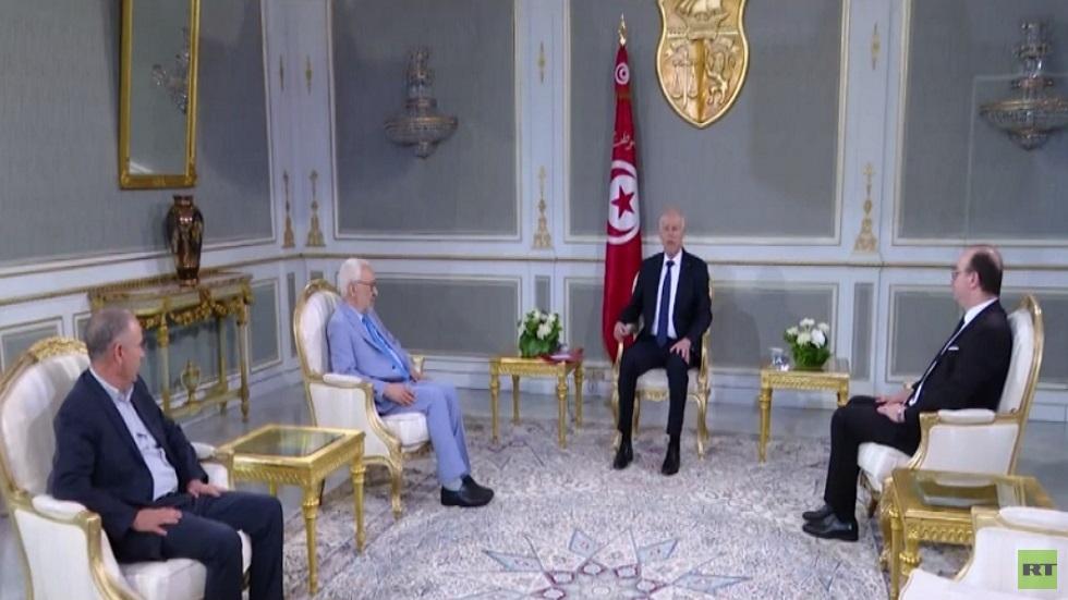 الرئيس التونسي يبدأ مشاورات لتشكيل الحكومة