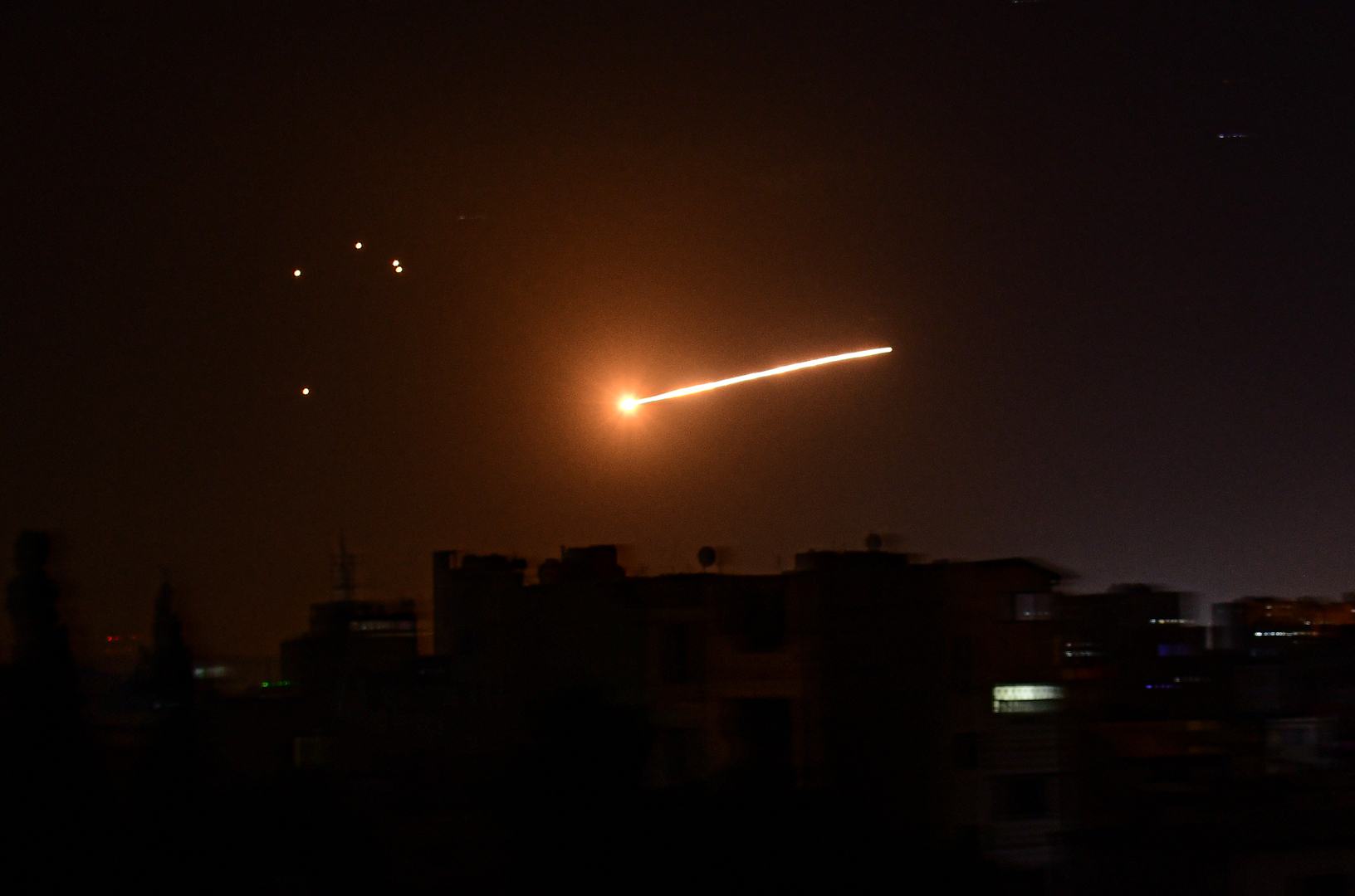 الإخبارية السورية: الدفاعات الجوية تتصدى لطائرة مسيرة مجهولة بريف حماة