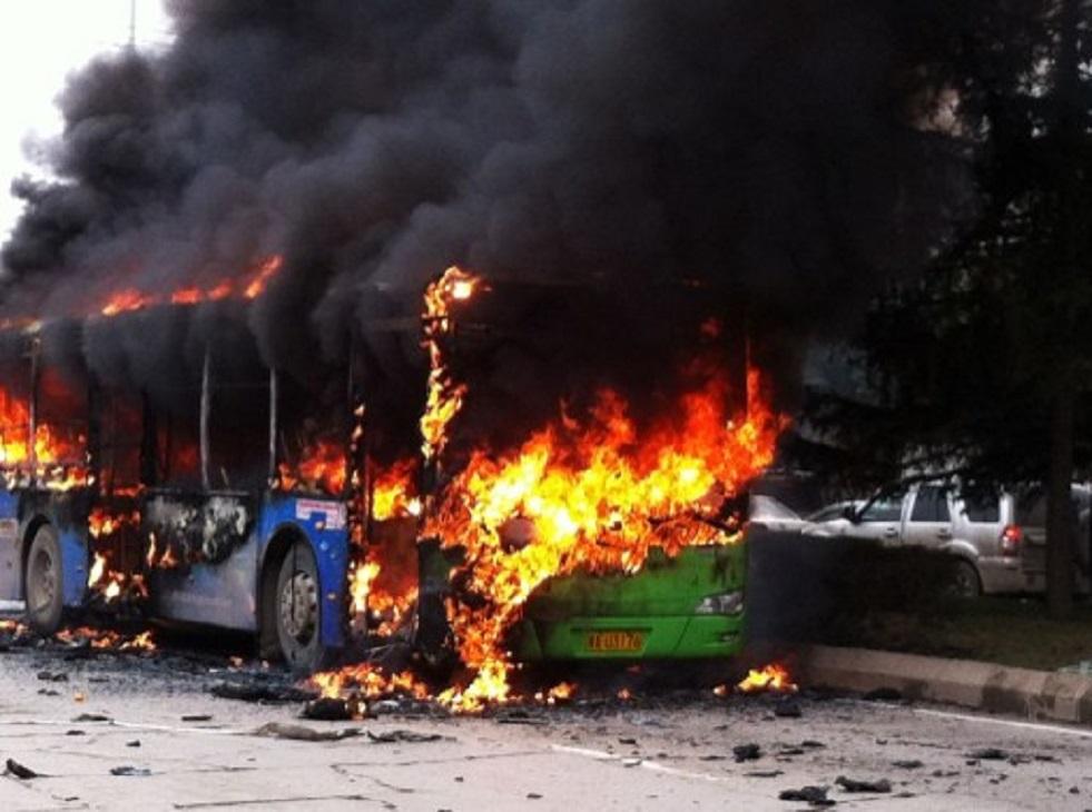 احتراق حافلة تقل نحو 40 أوكرانيّا بمقاطعة ليبيتسك