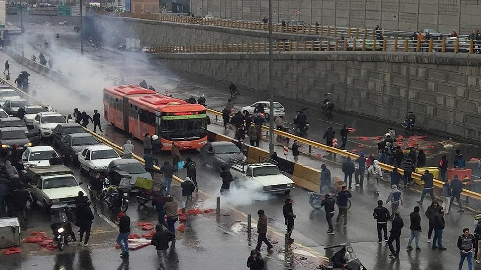 سلطات مدينة إيرانية تحذر من إعادة تنظيم الاحتجاجات