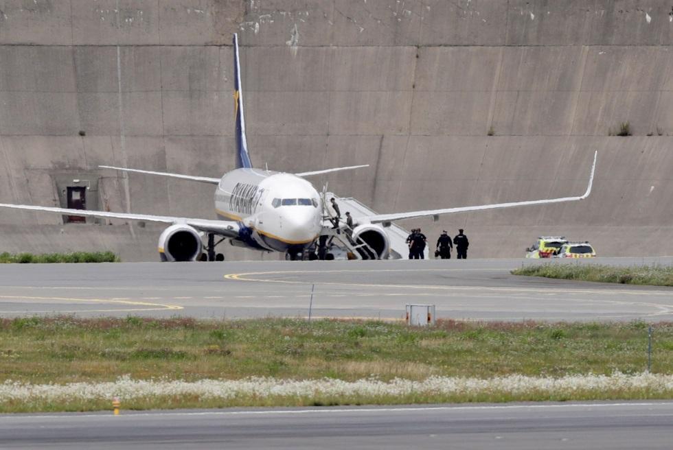 النرويج.. هبوط اضطراري لطائرة في أوسلو إثر تهديد بتفجير قنبلة (صورة)
